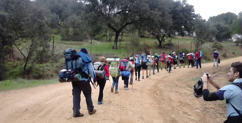 Troperos de ruta durante el curso de Guías y Subguias